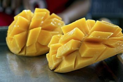 What Is the Nutritional Value of a Mango?