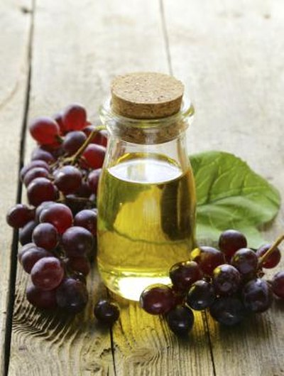 Earache Treatments Using Grape Seed Oil