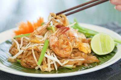 How Many Calories in Restaurant Pad Thai?
