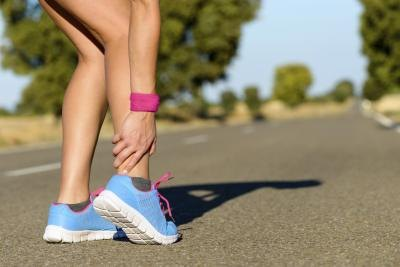 How to Tell Between a Sprained Ankle and a Broken Ankle