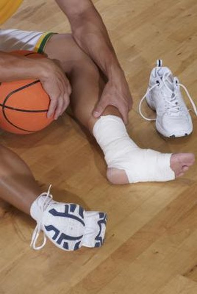 Signs of a Torn Ligament in the Calf