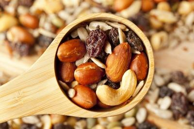 Nuts & Dried Fruit Snacks for a No-Starch Diet