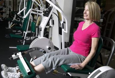 What Machine Works Your Inner Thighs & Legs in the Gym?