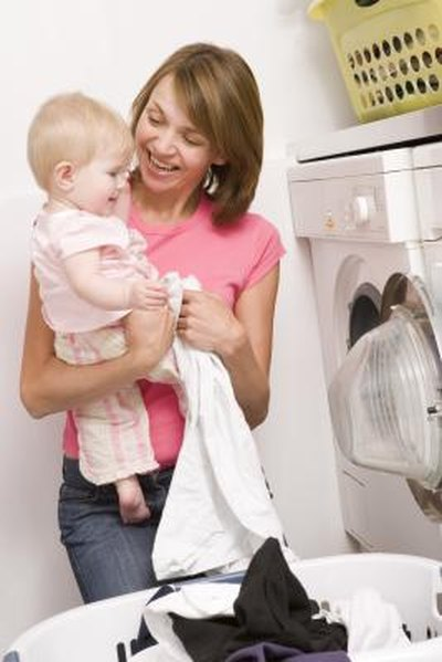 How to Wash Baby Clothes With Baking Soda