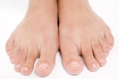 How to Get Rid of Thick Skin Under the Toenails