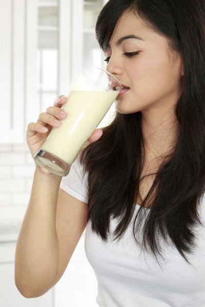 What Happens If I Eat a Protein Shake Before a Workout?