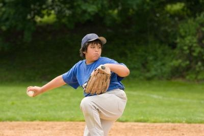 What Muscles Are Used in Throwing a Baseball?