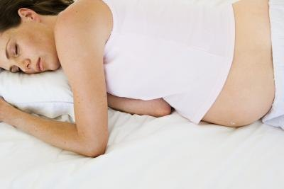 How to Alleviate Hip Pain in Pregnancy by Sleeping on the Side
