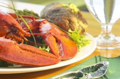 What Is the Cholesterol Content of Fish & Shellfish?
