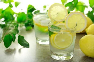 Is It Good to Drink Water With Lemon While You're Running?