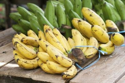 Potassium Levels in Raisins & Banana