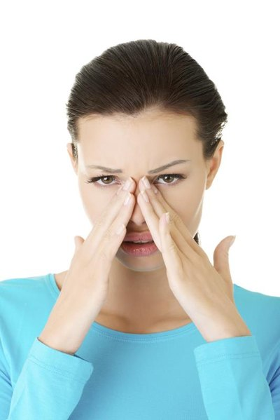 How to Get Rid of Puffy Eyes From Allergies