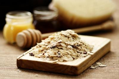 What Are the Benefits of a Oatmeal Face Mask?