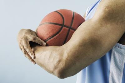 How Does Muscular Strength Help a Basketball Player?