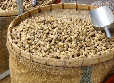 How Many Calories are in Boiled Peanuts?