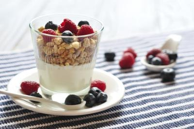 Is It Healthy to Eat Yogurt and Granola?