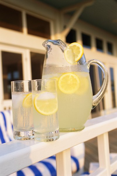 Is Lemonade Good for Sick People to Drink While They Have the Flu?