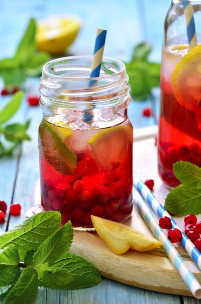 Is Fruit-flavored Water Good to Drink When You Are Dieting?