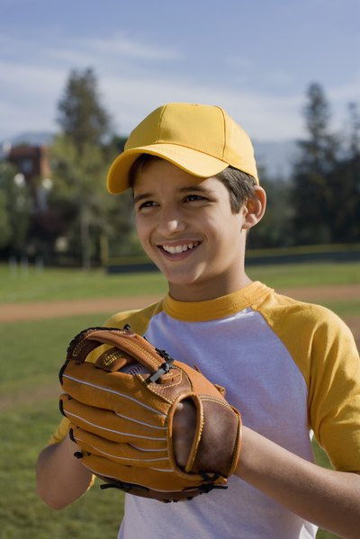 How to Measure for a Little League Baseball Glove