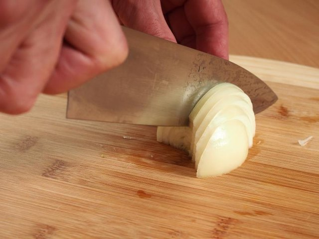 How to Slice Onions for Fajitas