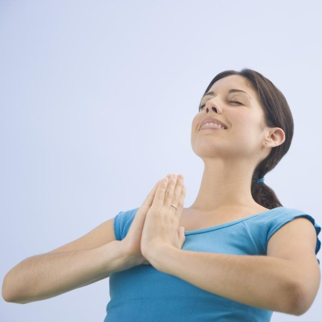 For psoriasis, yoga exercises should be done in the morning sun 3