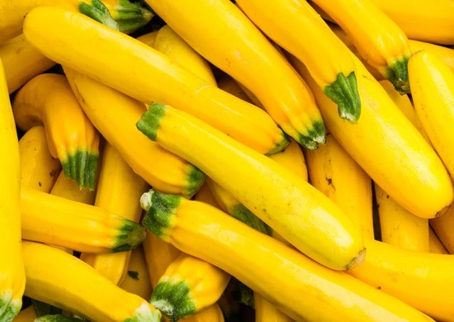 How Many Calories in Baked Yellow Squash?