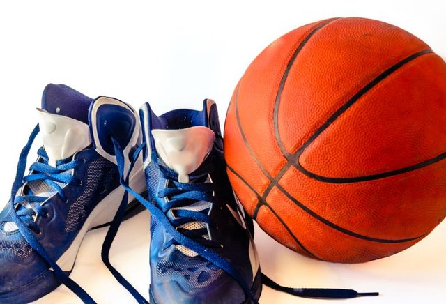 Basketball Shoes to Reduce Shin Pain