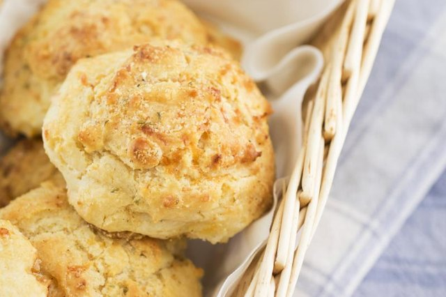 Calories in a Red Lobster Cheddar Biscuit