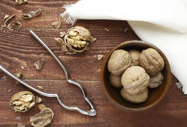 The Best Nuts for Weight Loss