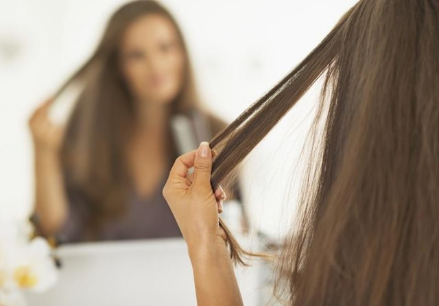 How to Repair Hair Damaged From Straightening