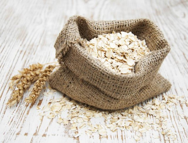 How to Lose Pounds With Oatmeal