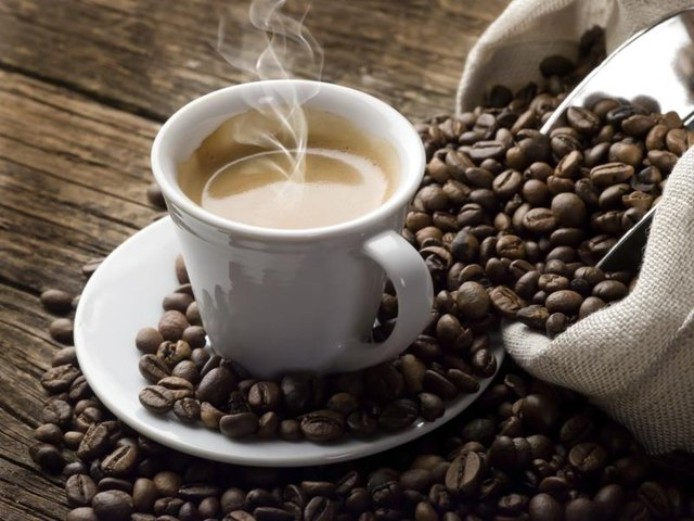 What Are the Negative Effects of Caffeine on the Internal Organs?