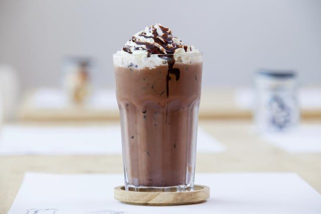 What Is the Difference Between a Frappe and a Milkshake?