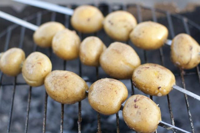 How to Bake Potatoes on the Grill