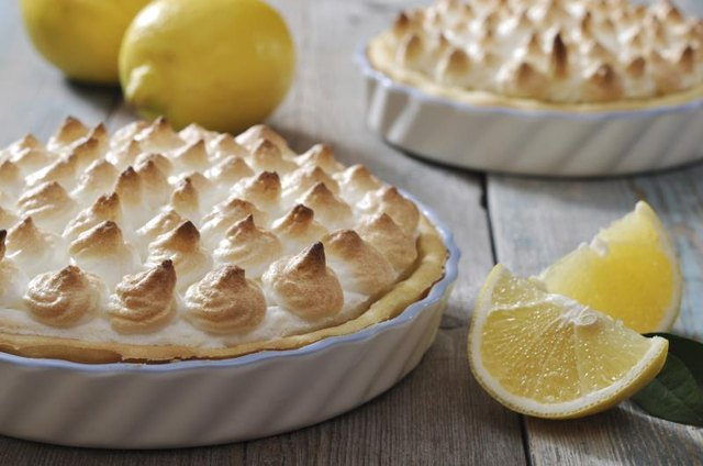 How Many Calories Are in Lemon Meringue Pie?