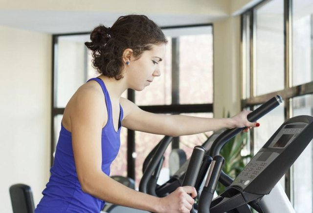 How to Lose 20 Lbs. Using an Elliptical Trainer