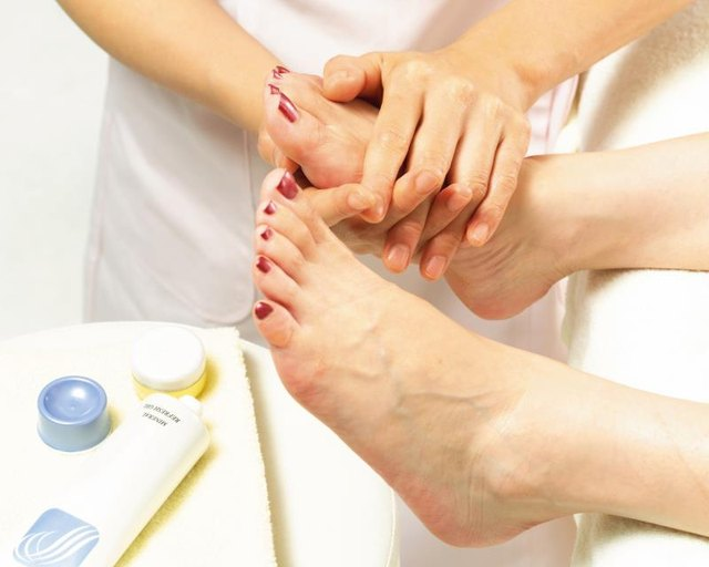 How Long Does It Take to Dry Your Toenails After a Pedicure?