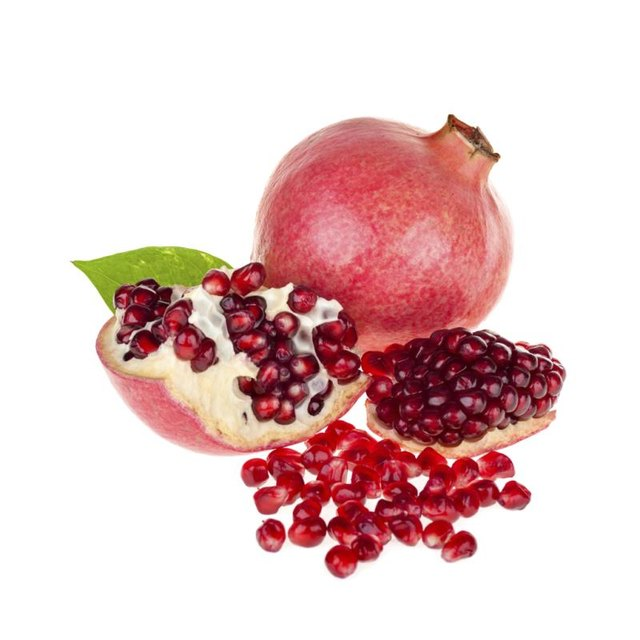how to take seeds out of pomegranate