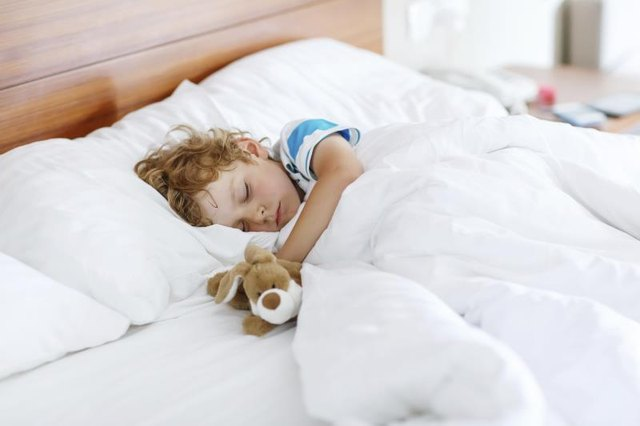 How to Stop Children from Falling Out of Bed