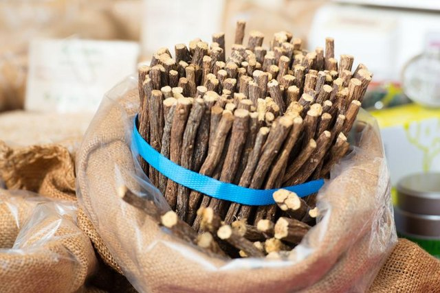 What Are the Health Benefits of Licorice Extract?