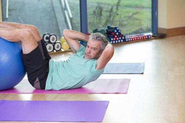 Aerobic & Weight Training Programs for 62-Year-Old Males