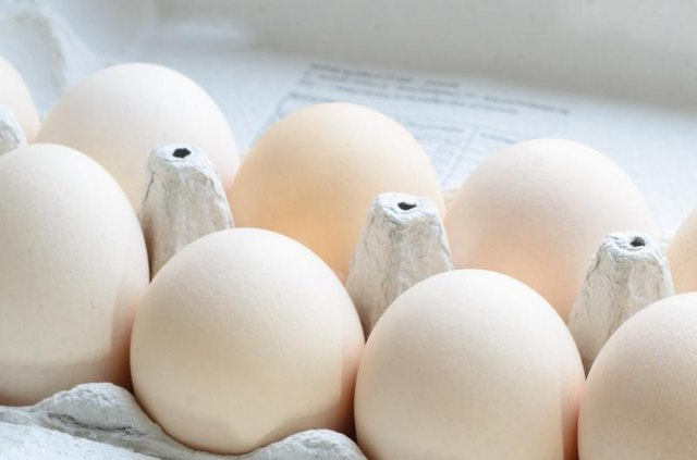 What Are the Dangers of Eating Expired Eggs?