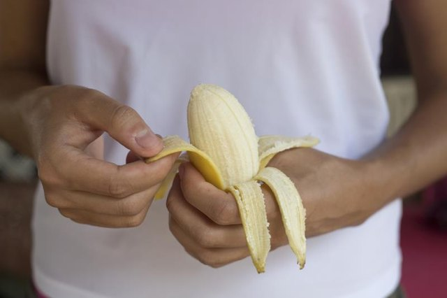 Does Eating Bananas Help With Gas and Bloating?