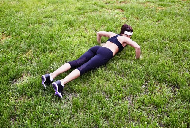 Push ups and pull ups for muscle definition livestrong com for Pull it off definition