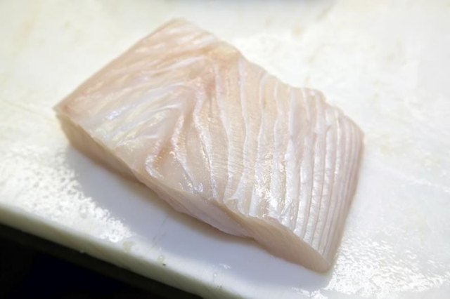 How to Cook a Halibut in Tinfoil in the Oven