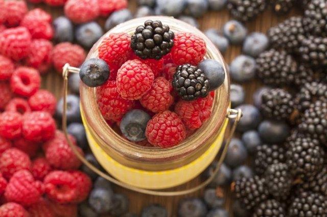 Health Benefits of Strawberries, Blueberries ...