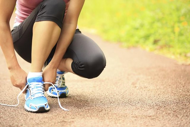 The Best Women's Walking Shoes for Flat Feet