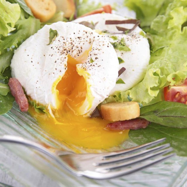 How Many Calories Does a Poached Egg Have?