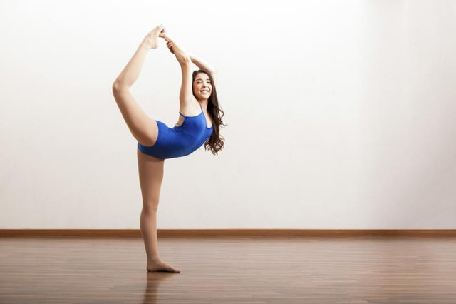 Stretches & Routines to Help You With Dance
