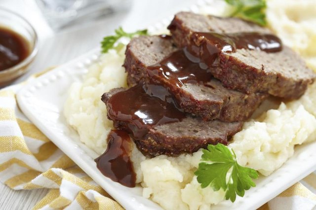How to Cook a Beef Meat Loaf Frozen or Thawed